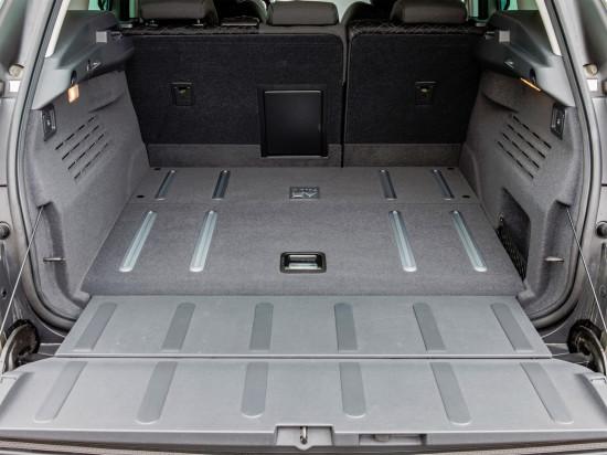 багажное отделение Пежо 3008 HYbrid4