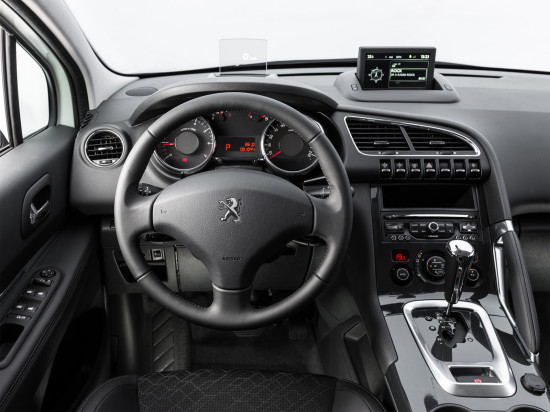 интерьер салона Peugeot New 3008