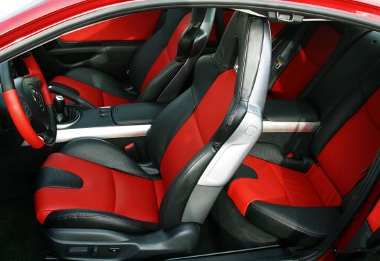 интерьер салона Mazda RX-8 1-го поколения
