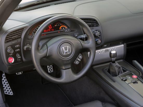 интерьер салона Хонды S2000 2-го поколения