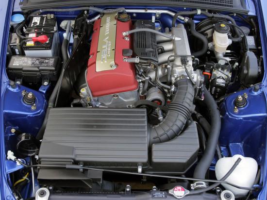под капотом (силовой агрегат) Хонды S2000 2-го поколения