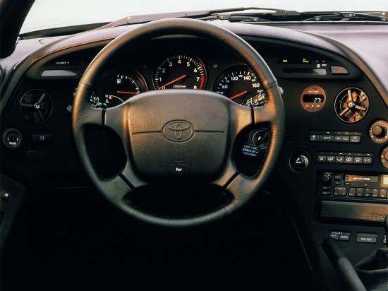интерьер салона Toyota Supra A80