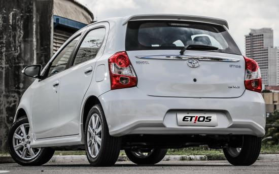 Toyota Etios Hatchback 2017