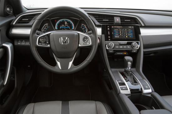 интерьер салона Honda Civic 10 5D