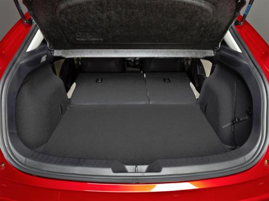 багажный отсек хэтчбека Mazda 3 (BM)