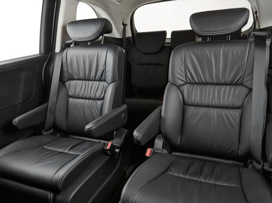 в салоне Honda Odyssey V