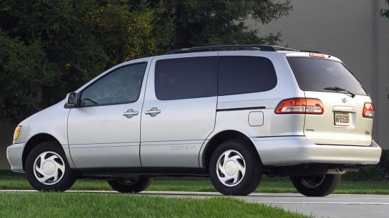 Toyota Sienna XL10