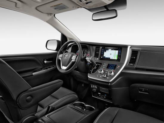 приборная панель Тойоты Сиенны 3-го поколения