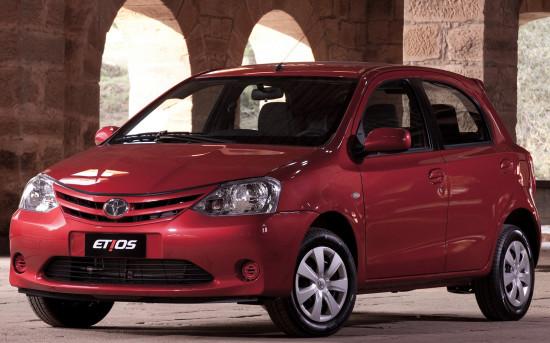 хэтчбек Тойота Этиос 2011-2013