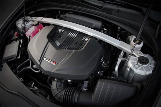 под капотом третьего CTS-V находится 6.2-литровый 649-сильный V8