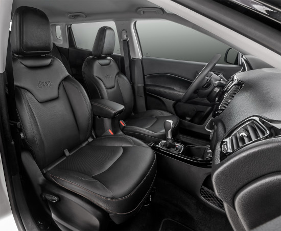 передние кресла Jeep Compass II
