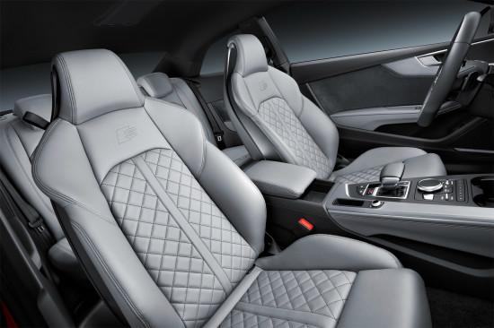 в салоне Audi S5 Coupe 2017