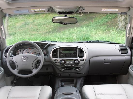 интерьер салона Тойоты Секвойи 1-го поколения
