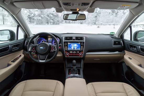 интерьер салона Subaru Outback V