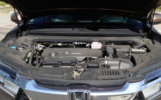 под капотом Honda Avancier 2