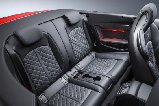 в салоне кабриолета Audi S5 2017 модельного года