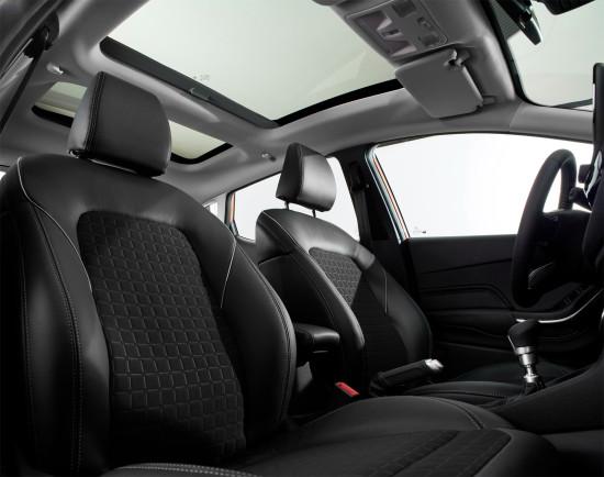 интерьер салона Ford Fiesta 7 5dr