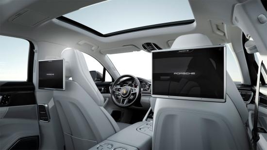 в салоне Porsche Panamera 971 Executive