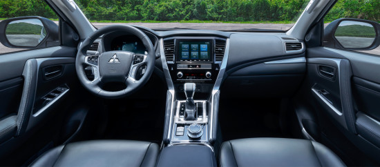 интерьер салона Mitsubishi Pajero Sport 3 (2019-2020)