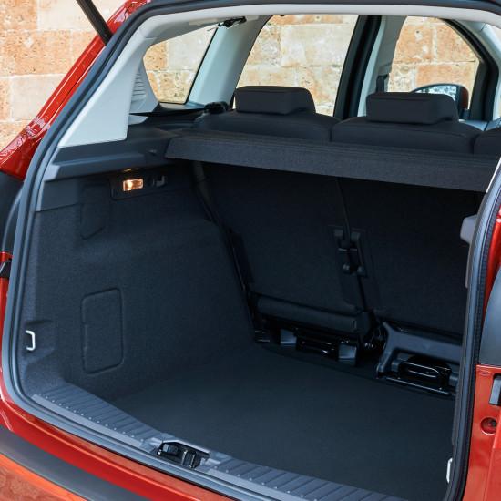 багажный отсек Ford C-Max 2
