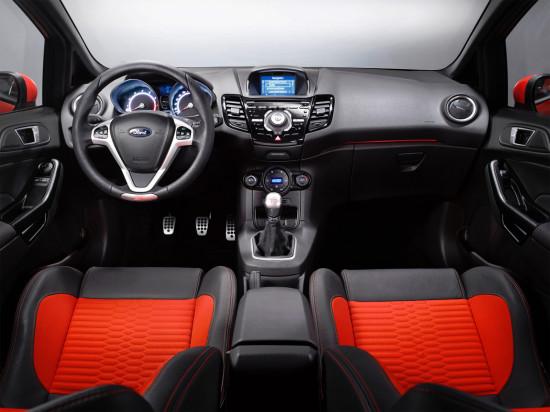интерьер салона Ford Fiesta ST 2013-2016