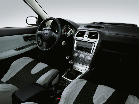 интерьер салона Subaru Impreza 2 WRX