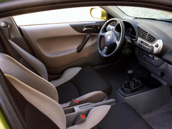 интерьер салона Honda Insight 1