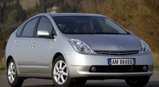 Toyota Prius 2 (2003-2009) на IronHorse.ru ©