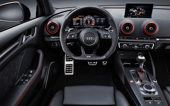 интерьер салона Audi RS3 Sedan (8V)