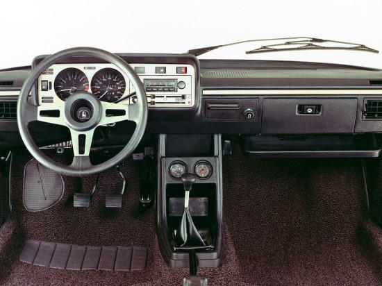 интерьер салона Volkswagen Scirocco 1