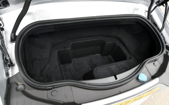 багажное отделение Jaguar F-Type Convertible