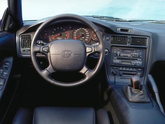 интерьер салона Toyota MR2 W20