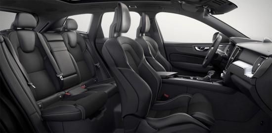 интерьер салона Volvo XC60 2 T8