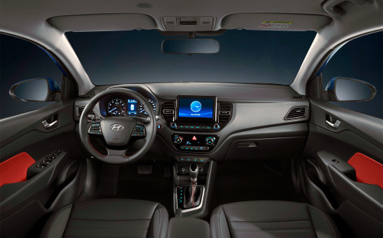 рестайлинговый интерьер седана Hyundai Solaris II
