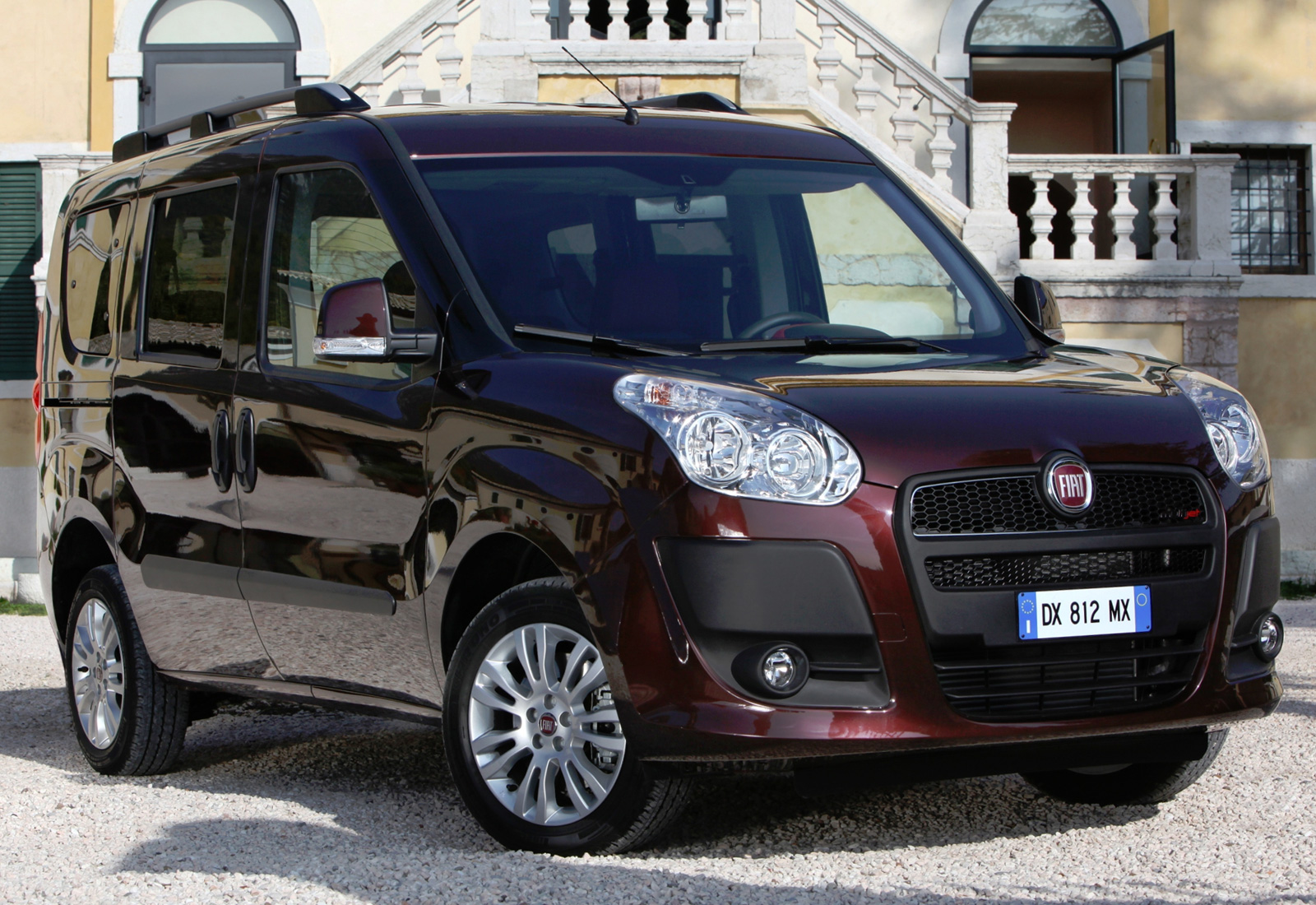 fiat doblo 2 panorama. Black Bedroom Furniture Sets. Home Design Ideas