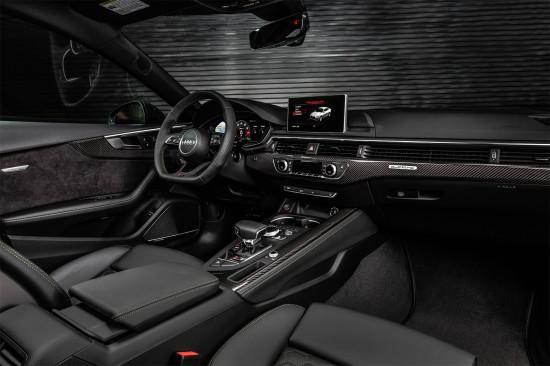 интерьер салона Audi RS5 2-го поколения