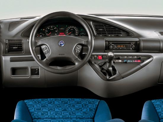 интерьер салона минивэна Fiat Scudo Combi 1-го поколения