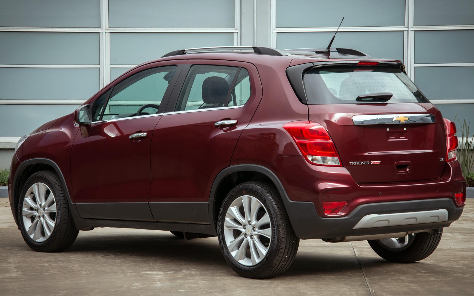 Chevrolet Tracker (2019-2020) цена и характеристики ...
