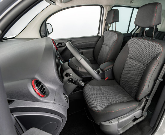 интерьер салона Mercedes-Benz Citan Off-Road