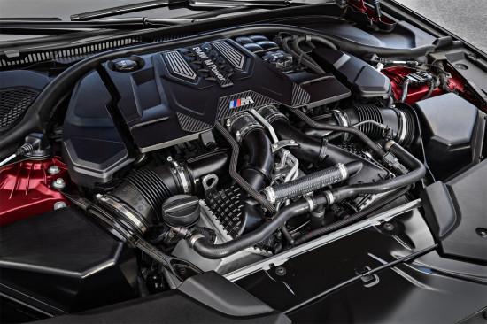 под капотом BMW M5 (F90)