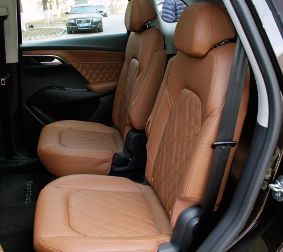 два задних кресла в Borgward BX7