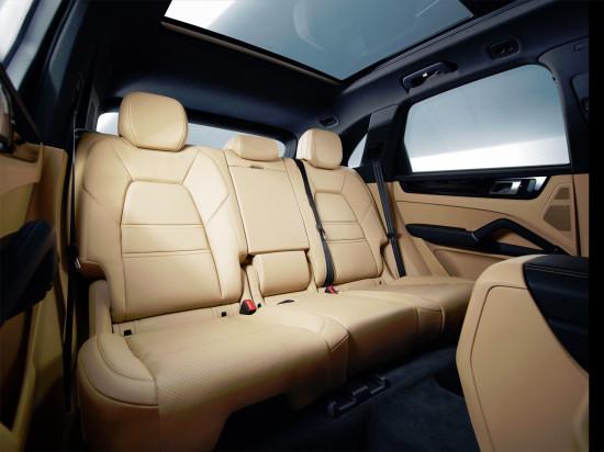 интерьер салона Porsche Cayenne 3-го поколения