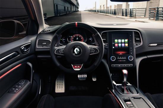 передняя панель и центральная консоль Renault Megane 4 RS
