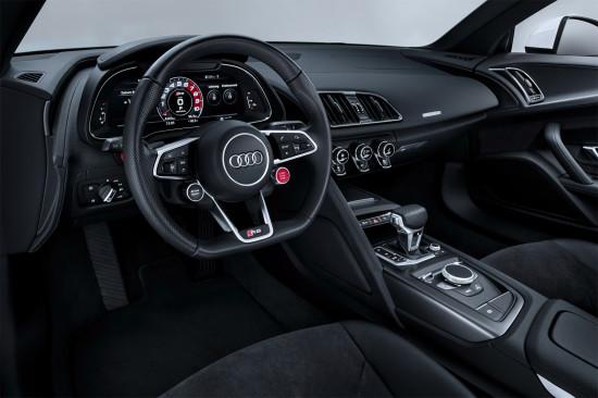 интерьер салона Audi R8 V10 RWS