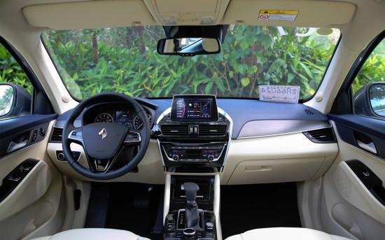 интерьер салона Borgward BX5