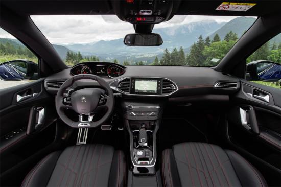 интерьер салона Peugeot 308 GT (T9)