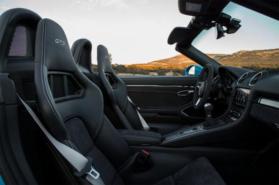 Porsche 718 Boxster GTS (2017-2018) цена и характеристики, фотографии и обзор