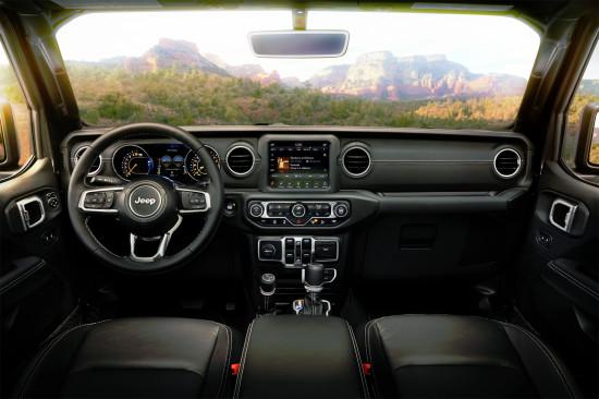 интерьер салона Jeep Wrangler Unlimited 4-го поколения