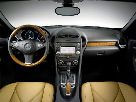 интерьер салона Mercedes-Benz SLK 2-го поколения