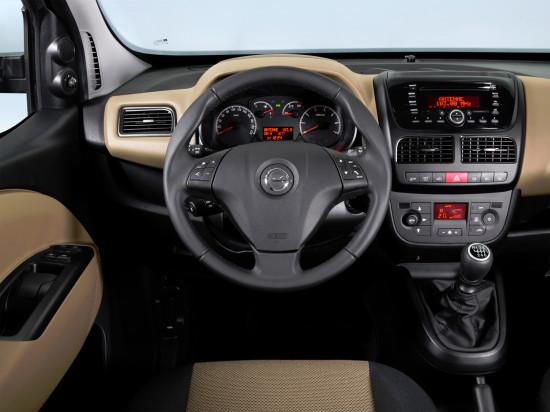 интерьер салона Opel Combo D Tour